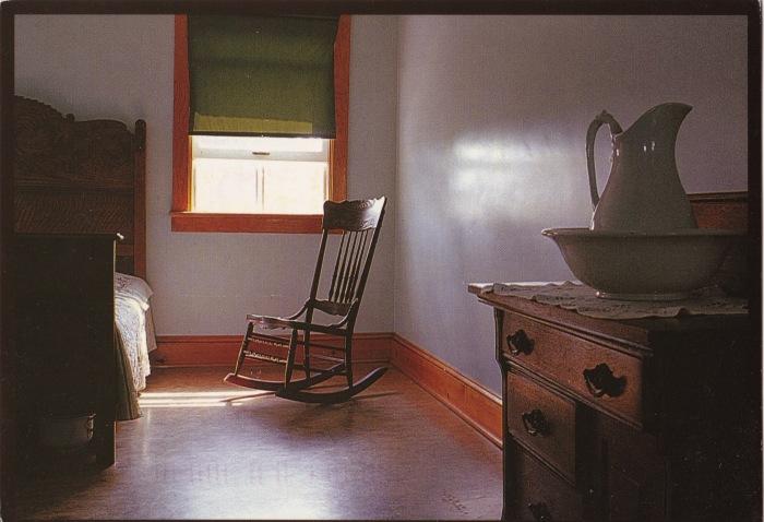 shaker bedroom front_0003